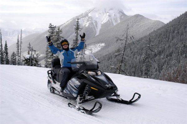 Golden BC Snowmobile Tours