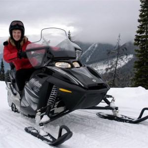 Starlight Ride Snowmobile Tour in Golden BC